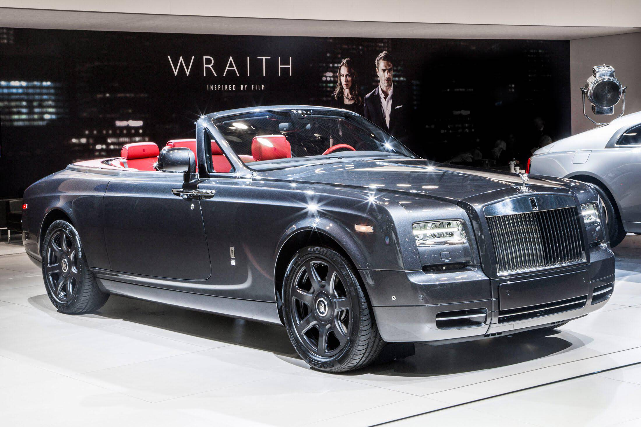 Rolls Royce Phantom Drophead Coupe 2016 First Look